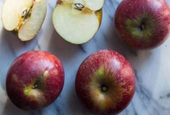 Компоты из яблок на зиму: рецепты с фото