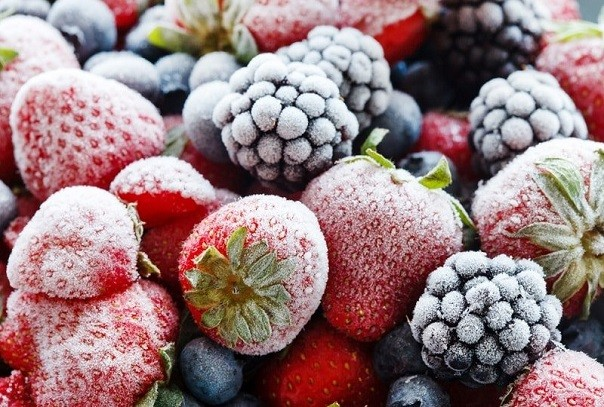 Ошибки во время заморозки клубники и других ягод на зиму