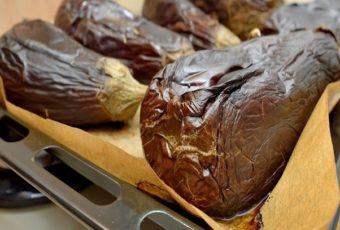 Рецепт баклажанной икры с луком