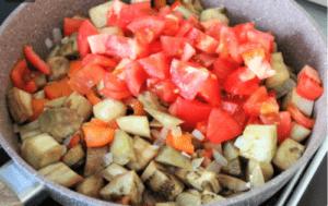 Бабушкин рецепт из баклажан. Готовила и буду готовить все лето, уж очень вкусно!