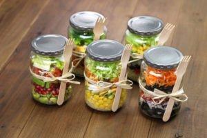 Вкусные салаты на зиму: 3 вкусных рецепта