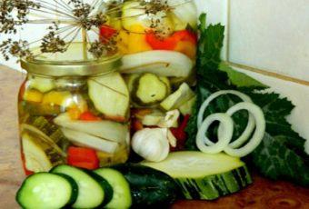 Салат из кабачков с огурцами и перцем на зиму
