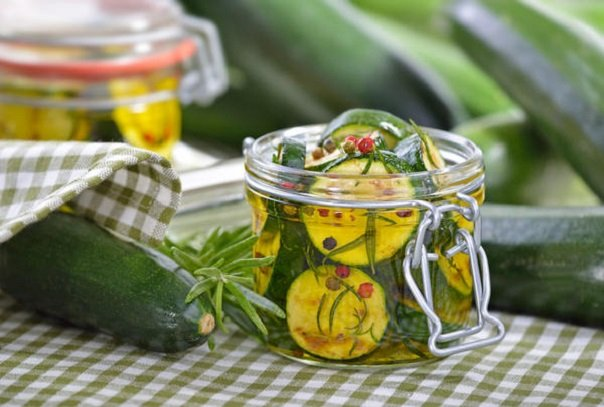 Салат из кабачков в медовом пряном маринаде