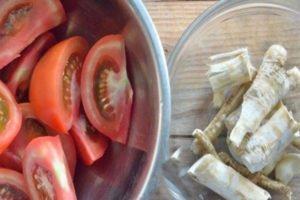 Закуска из помидоров с хреном и чесноком «Горлодёр»