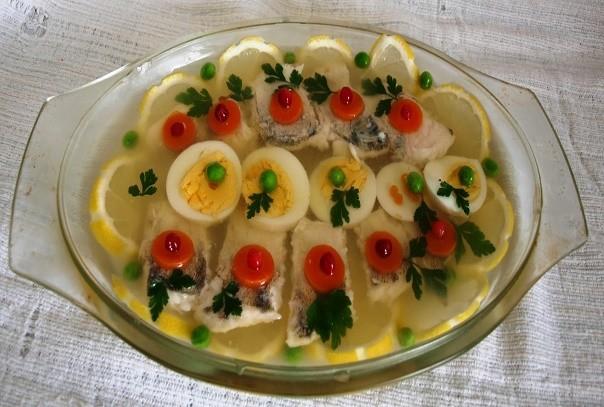 Заливная рыба это вам не холодец. Какая рыба лучше для заливного. С желатином или без. Самый вкусный рецепт.