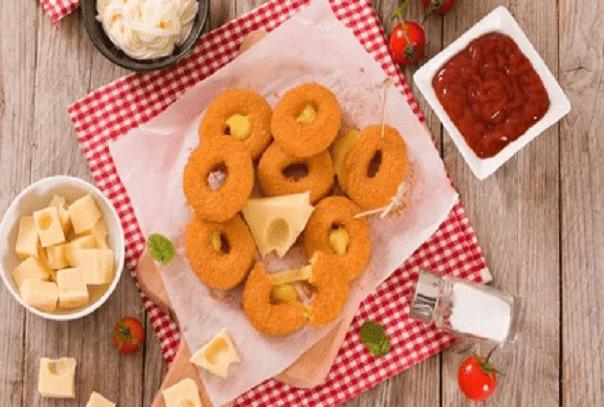 Луковые кольца с сыром