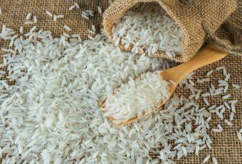 Уже давно не варю рис просто в кастрюле с водой, готовлю только так: рисинка к рисинке и гораздо вкуснее