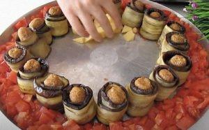 Фаршированные баклажаны и картошка. Готовится за 35 минут в духовке, а хватает на неделю