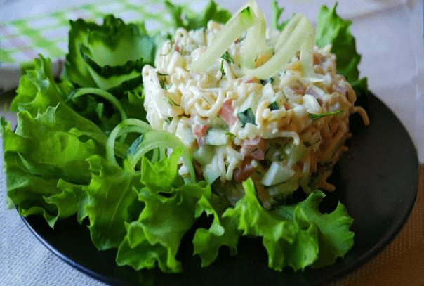 Муж попросил приготовить салат, которым его угостили на работе. Удивилась, но приготовила
