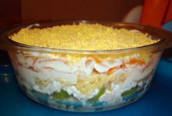 Девочки на работе угощали этим салатом, очень мне понравился – очень оригинальный