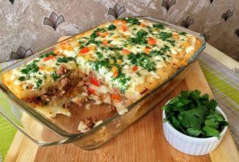 Картофельная запеканка с начинкой, которая порадует всю семью вкусным и сытным ужином