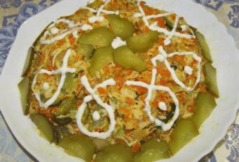 Напрасно забытый салат из советских времен, который мама всегда подавала на новогодний стол