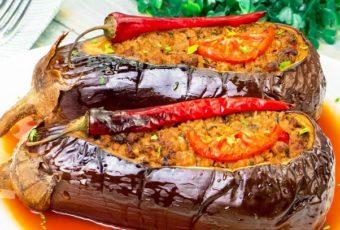 Популярный рецепт среди гурманов! Фаршированные баклажаны в духовке – объедение