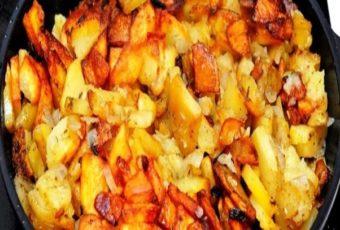У меня жареная картошка всегда получается с румяной корочкой и не разваливается в сковороде: делюсь своим секретом