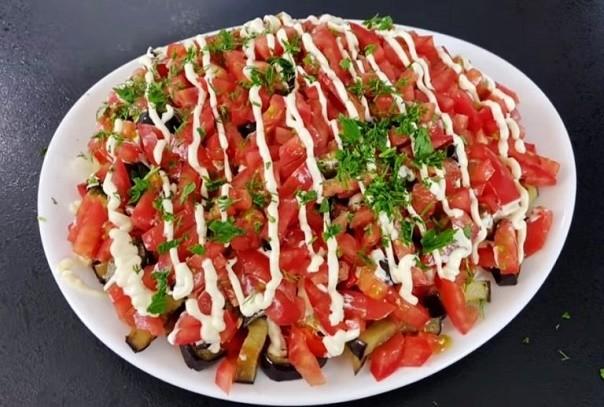Вкусный салат из баклажанов! Созывайте гостей и пробуйте