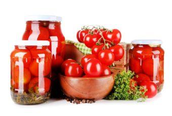 Хозяйкам на заметку: как сохранить помидоры свежими на полгода