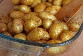 Хитрость хозяек из Львова для быстрого приготовления мелкого картофеля