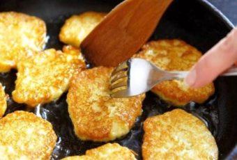 Научили жарить сочные драники по-белорусски без муки и яиц — как пирожные нежные, воздушные. И 5 хитростей приготовления