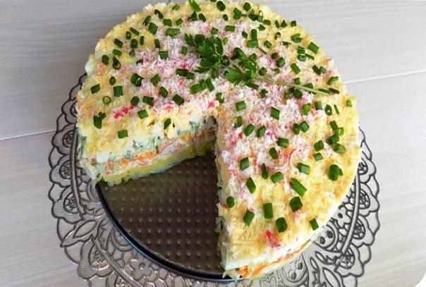 Нежный и воздушный салат. Рецепт вкусного слоеного салата на праздничный стол